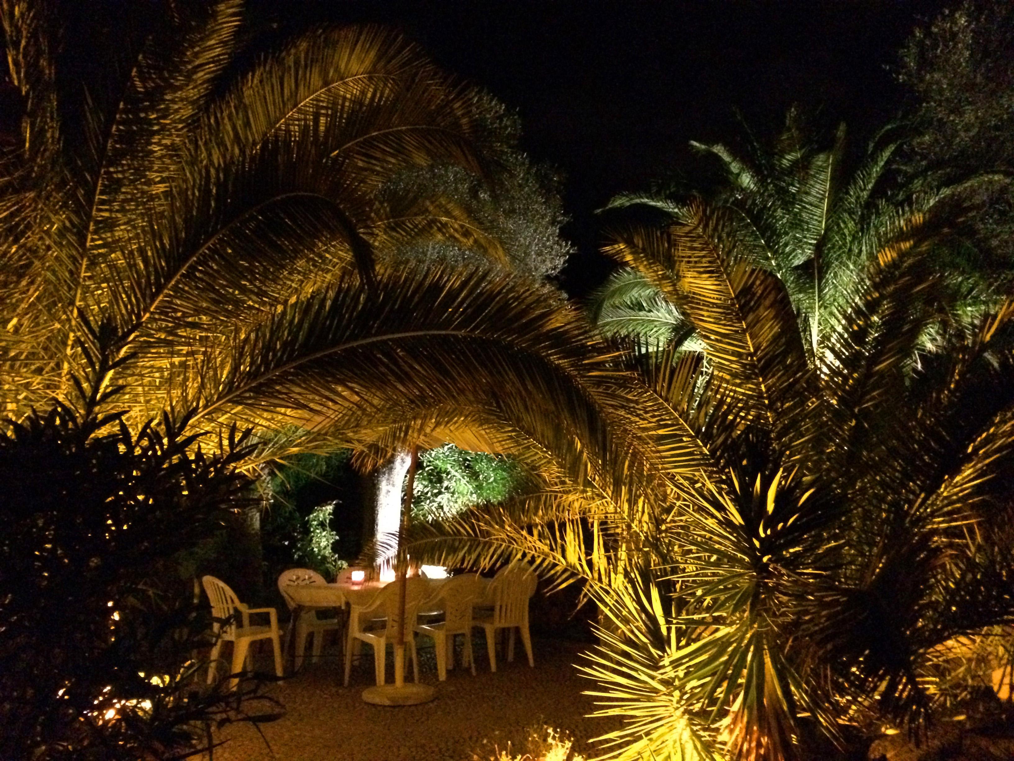 Jardin color a ibiza jardins de nuit renaud serniclay for Eclairage d un jardin