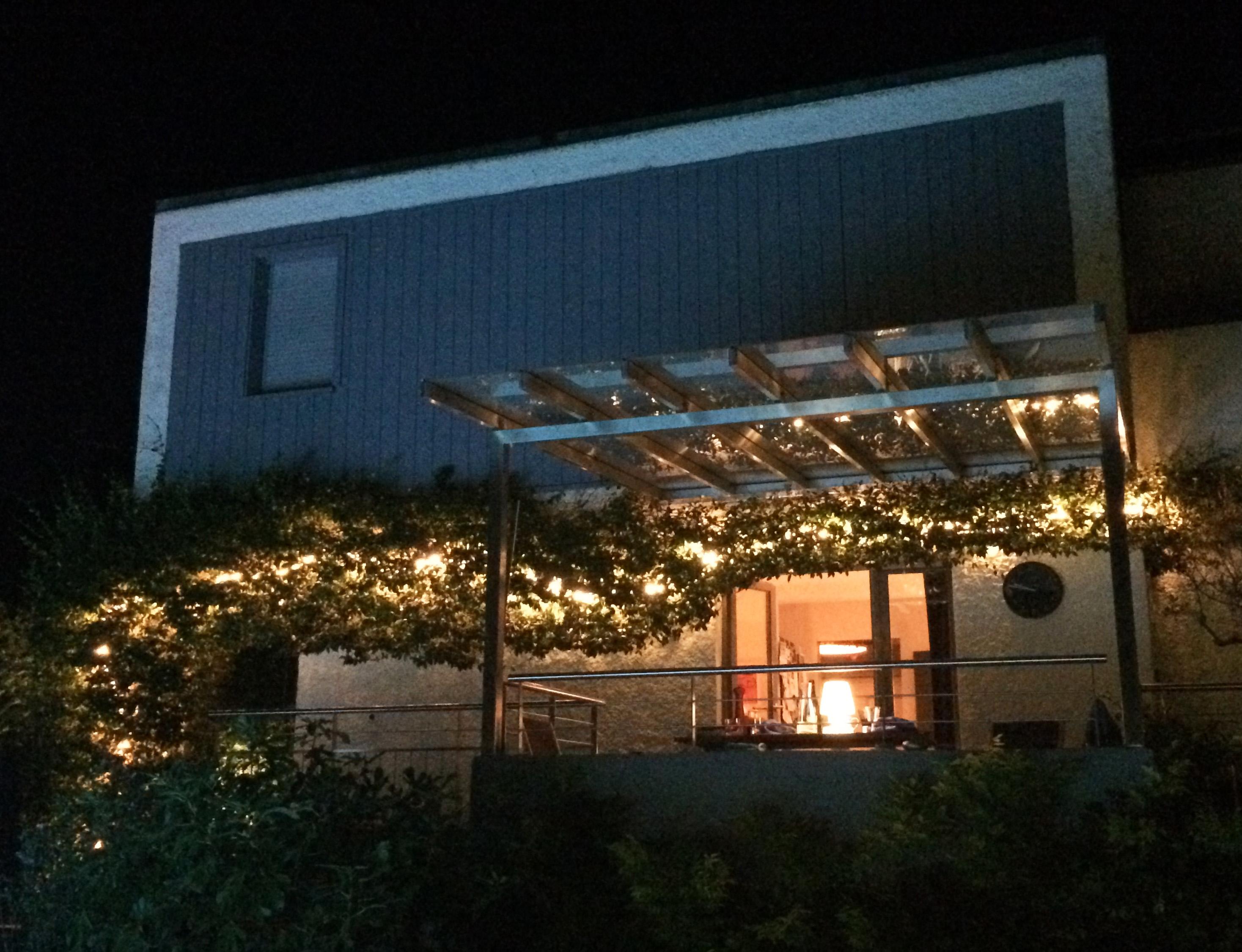 Jardin luxuriant eclair a geneve jardins de nuit - Eclairage exterieur contemporain ...