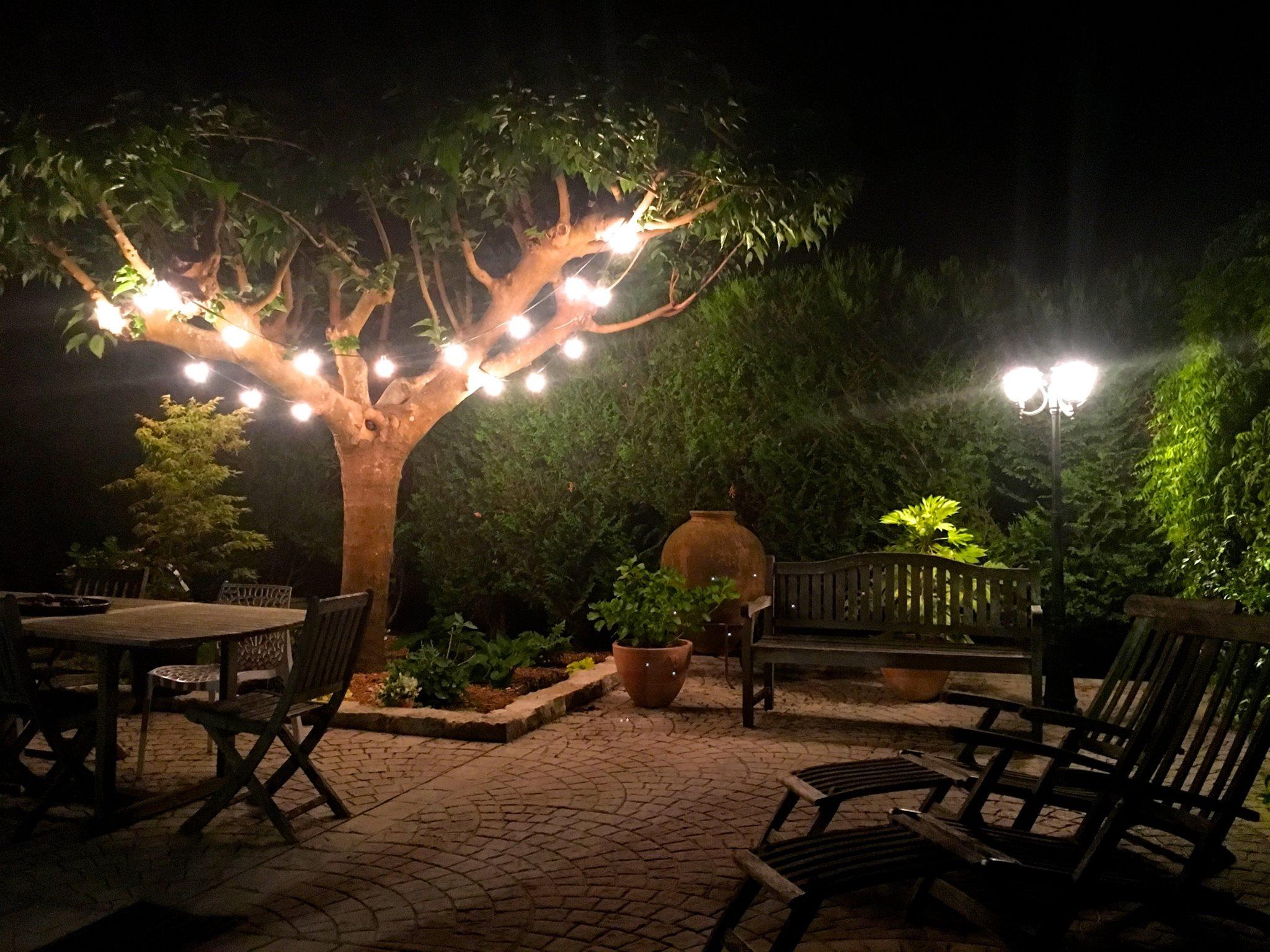 best eclairage jardin fete photos design trends 2017. Black Bedroom Furniture Sets. Home Design Ideas