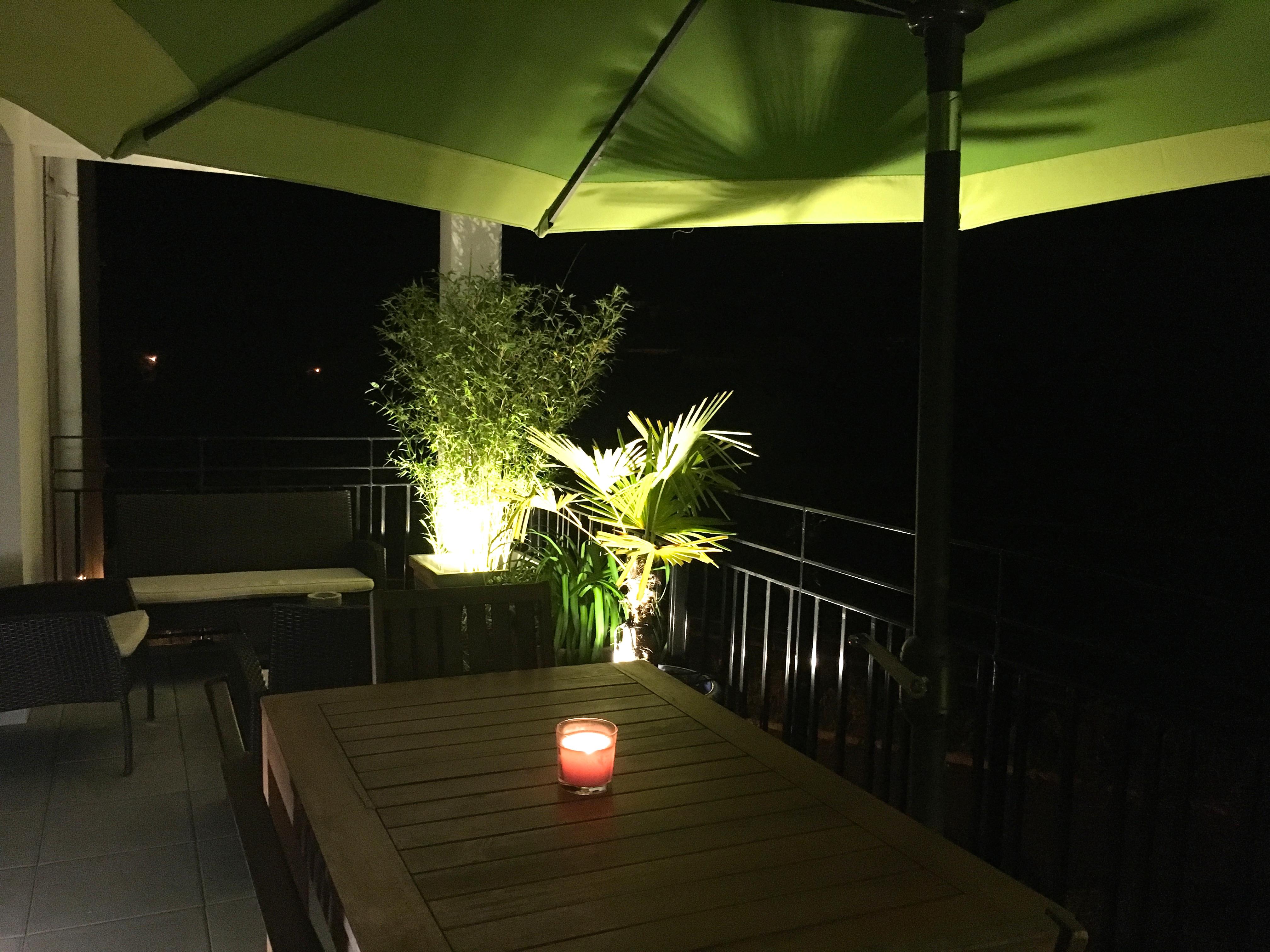 abri de jardin eclairage meilleures id es pour la conception et l 39 ameublement du jardin. Black Bedroom Furniture Sets. Home Design Ideas