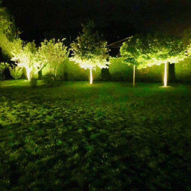 BASTIDE ILLUMINÉE EN PAYS AIXOIS – Éclairer son jardin – Jardins de Nuit
