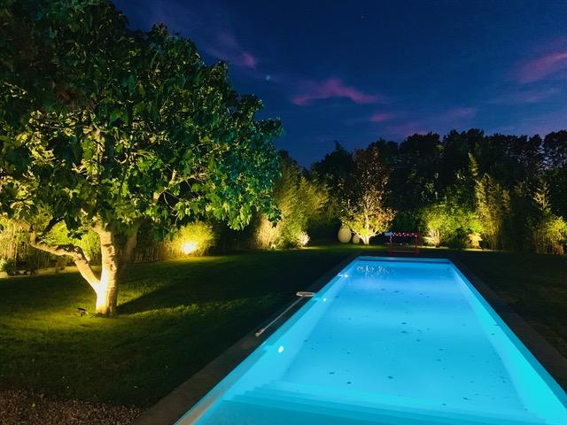 ÉCLAIRAGE DE TERRASSE – Éclairer son jardin – Jardins de Nuit